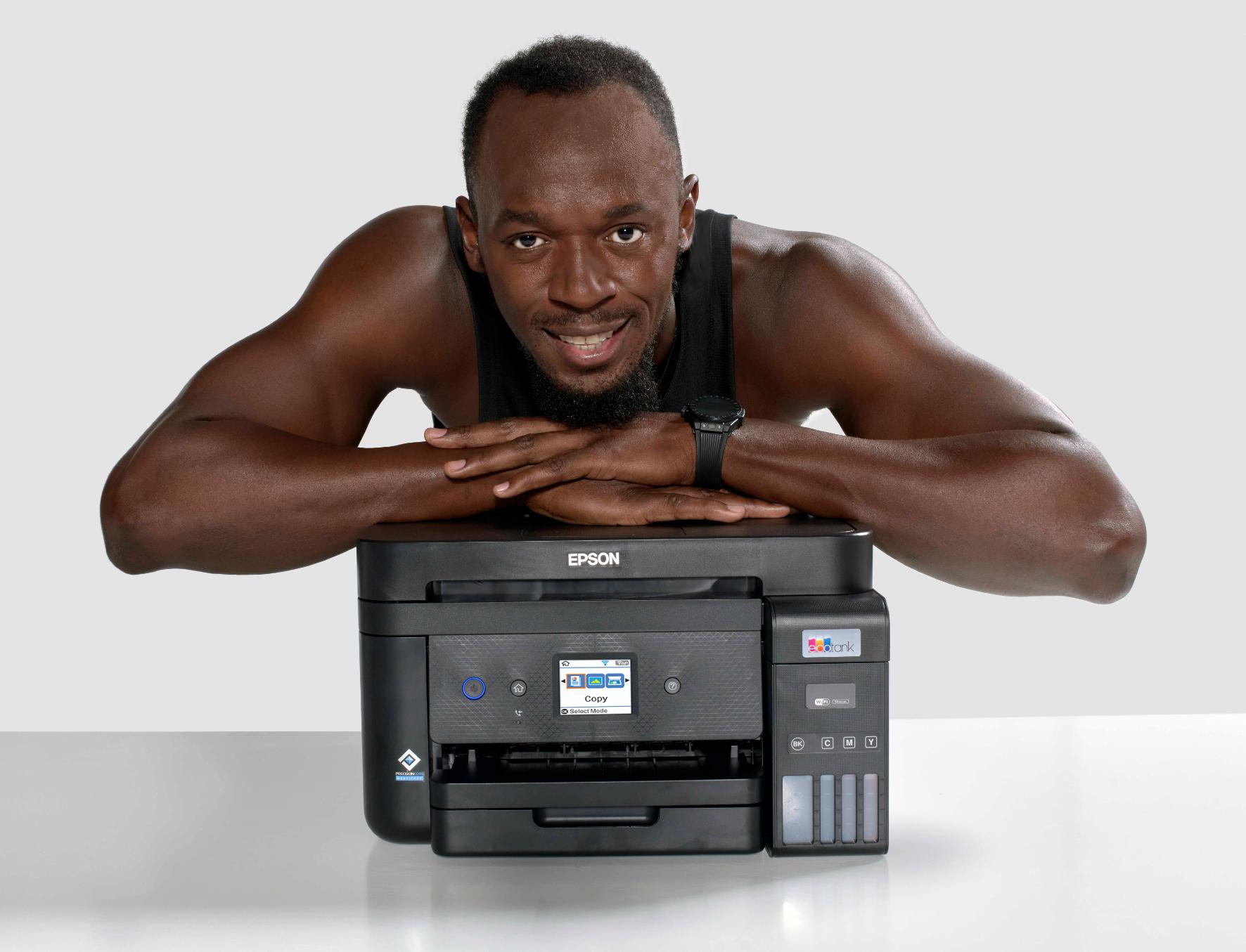 Epson insieme a Usain Bolt per promuovere la stampa senza cartucce
